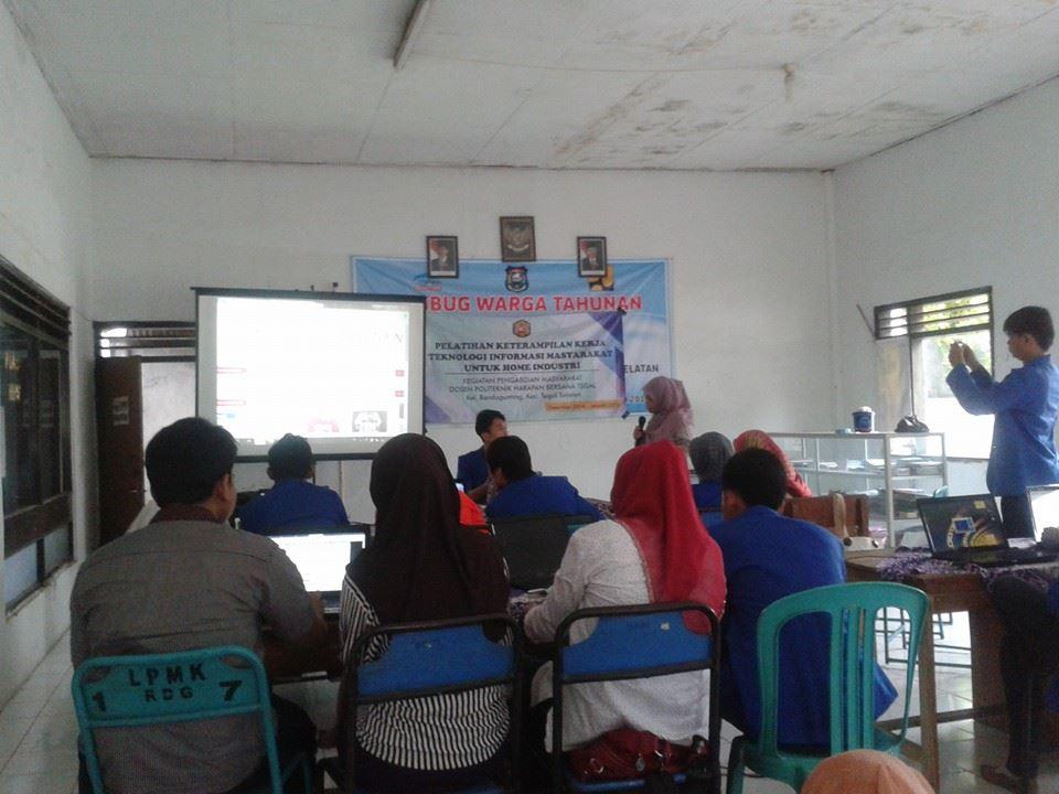 PKM Pelatihan Keterampilan Kerja Teknologi Informasi Untuk Masyarakat Home Industry