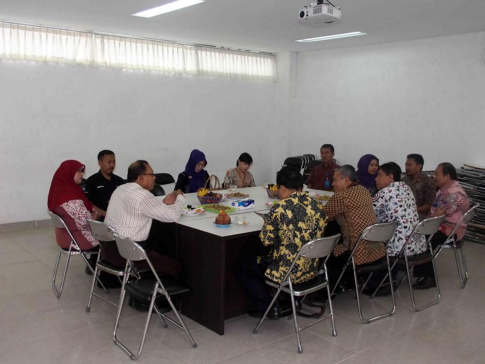 Study Banding Akademi Kebidanan Pemkab Kudus Di Politeknik Harapan Bersama Tegal