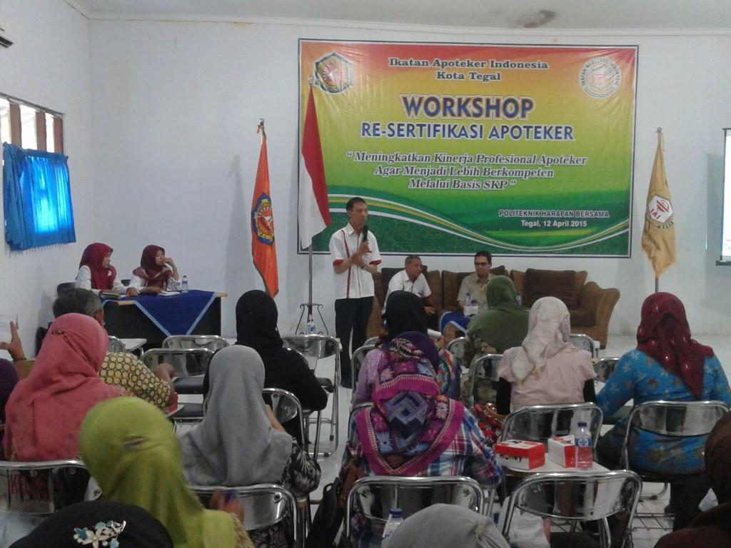 Seminar IAI Di Prodi Farmasi
