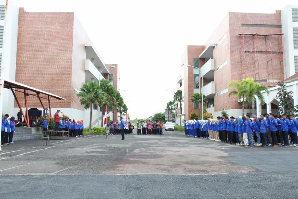 Upacara Hari Pendidikan Nasional 2015 Politeknik Harapan Bersama Tegal