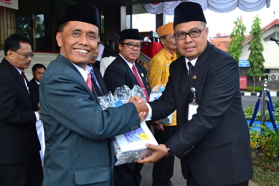 Penyerahan Bank Indonesia Corner Kepada Politeknik Harapan Bersama Tegal