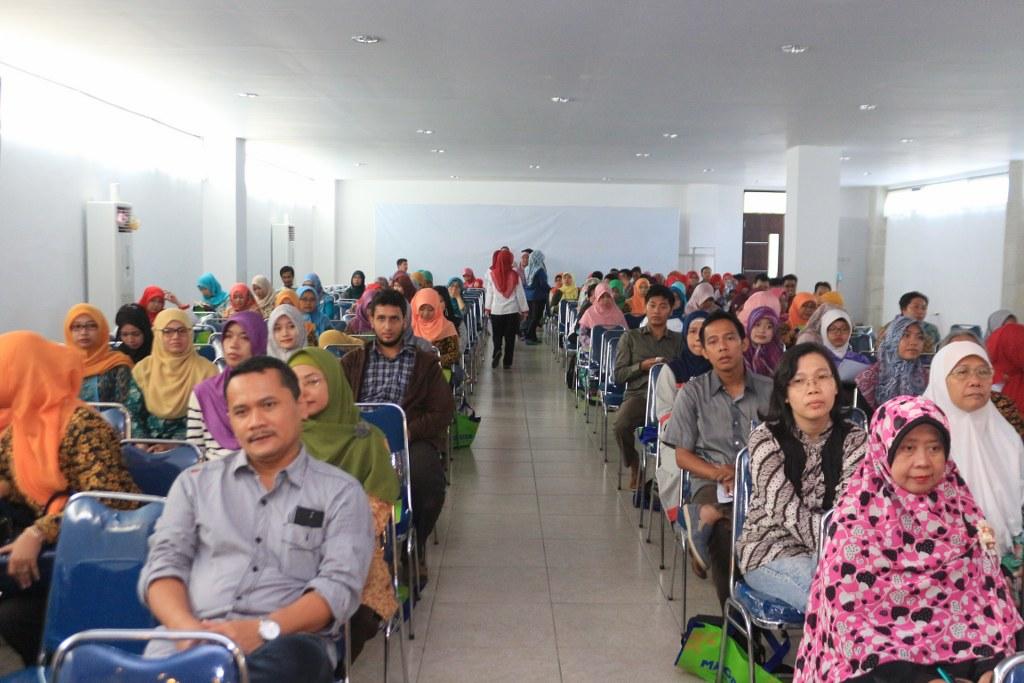 Sinergisme Apoteker Distribusi Dan Apoteker Pelayanan Dalam Menerapkan Permenkes No. 3 Tahun 2015