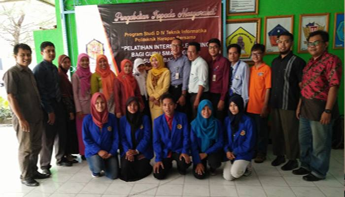 Dosen dan Mahasiswa Teknik Informatika PHB Berikan Pelatihan Bagi Guru SMA dan MA di Kab. Batang
