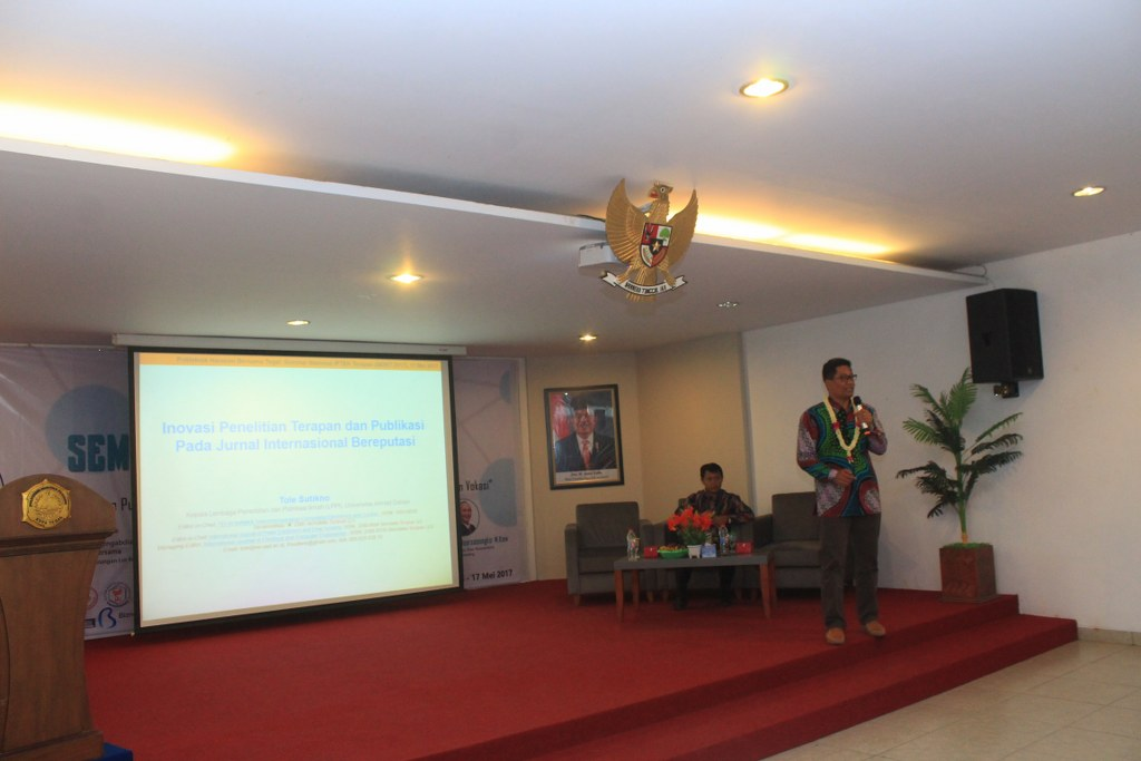 Seminar Nasional IPTEK Terapan (SENIT) 2017