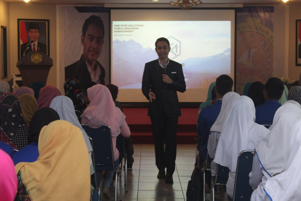 "Workshop Motivasi D3 Teknik Komputer ""Bahagia Bekerja - Bekerja Bahagia"""