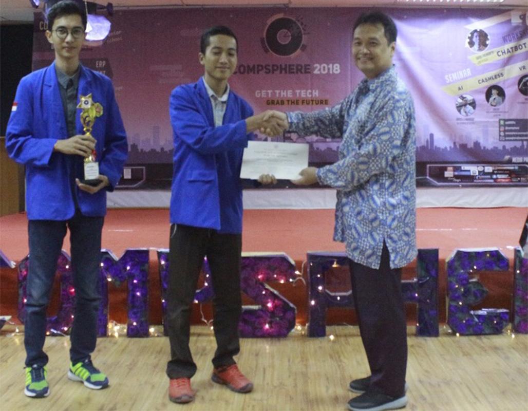 Tim Probie TI PHB Juara 1 dalam Event CompSphere President University