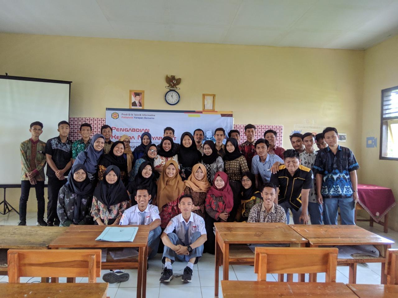 Tim Dosen TI PHB Berikan Studi Pengenalan Internet of Things Bagi Guru dan Siswa SMK